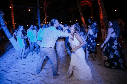 Tulum-Boho_Beach_Wedding-Arlenis-Ruiz-Weddings-039.JPG