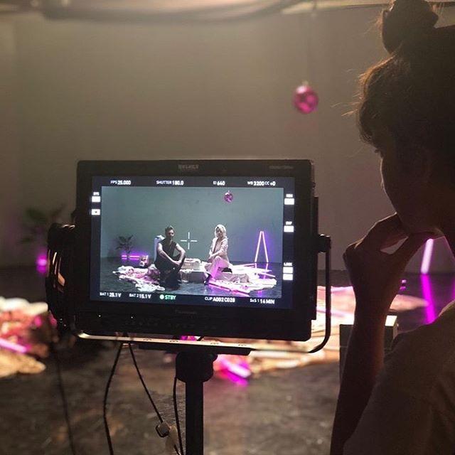 rushes camera light studio