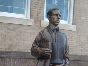 New statue of literary legend unveiled