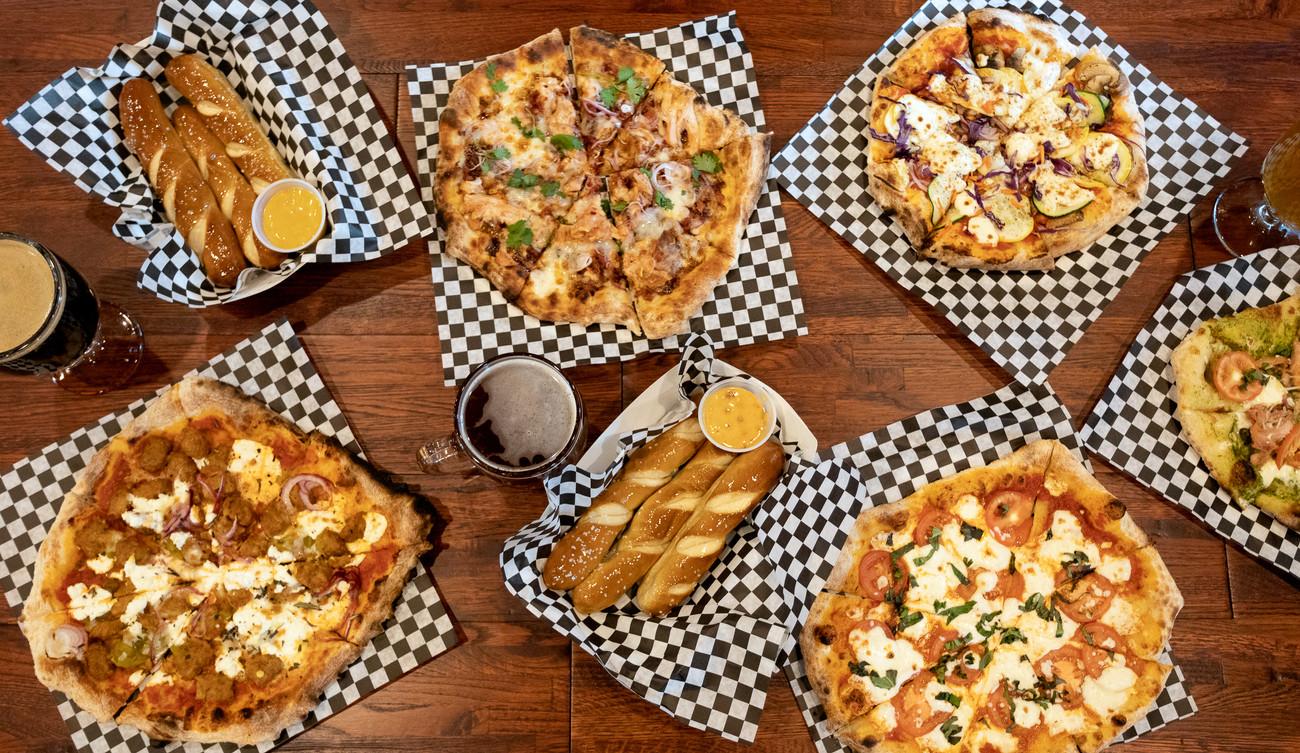 S12-PizzaBreadsticks_91A9030-Edit-Edit.j