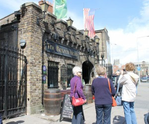 The-Brazen-Head-the-oldest-pub-in-Ireland