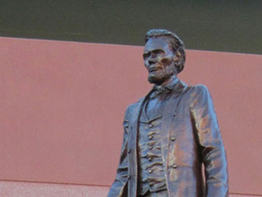 Lincoln statue restored