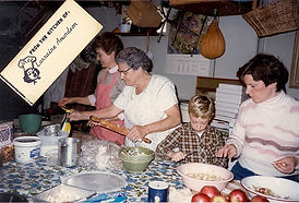 P-043b 1985 Apple Pie Baking.jpg