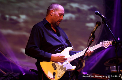 Neil Dalziel - Lead Vox/Gtr