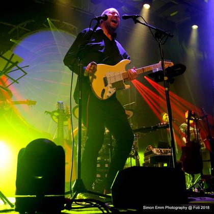 Neil Dalziel - Lead Vocals/Gtr