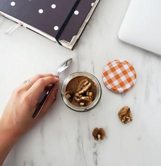 10 ideas de snacks para picar entre horas ¡y domar tu león interior!