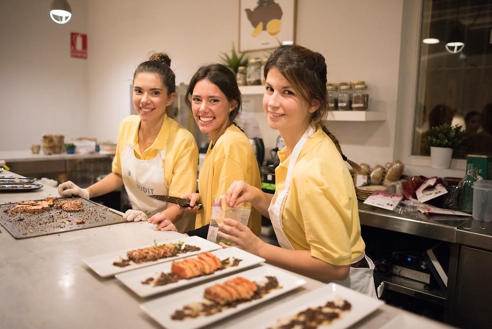 Judit, Clàudia y Mireia | LemonsNIGHT