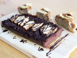 Pastel de chocolate y manzana con 4 ingredientes