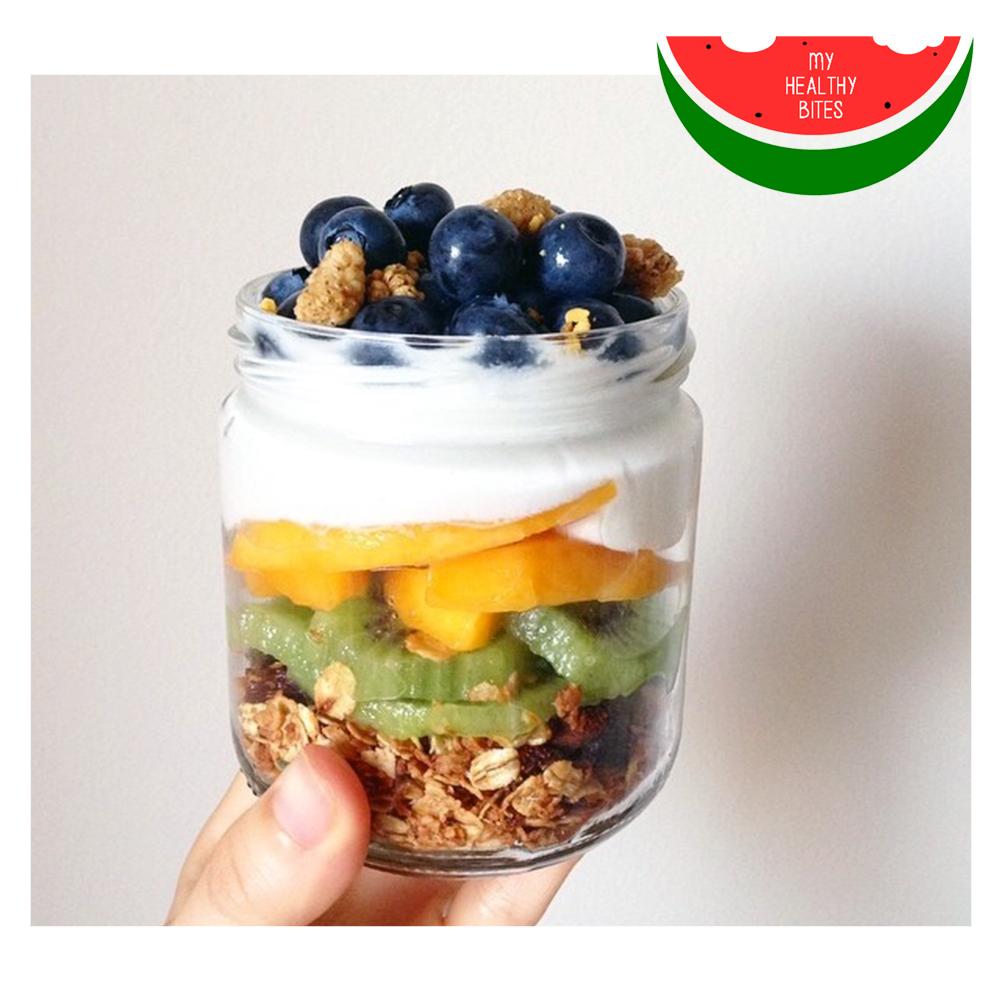 Granola con fruta y crema de coco