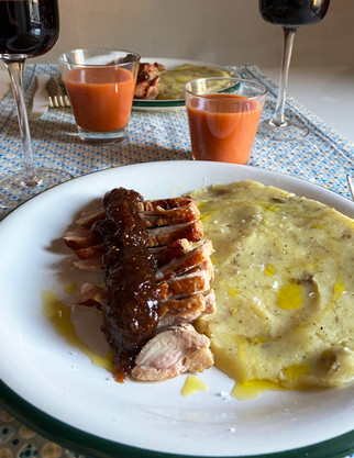 Magret de pato con salsa de higos y puré de patatas a la trufa