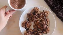 Galletas y chocolate caliente saludable