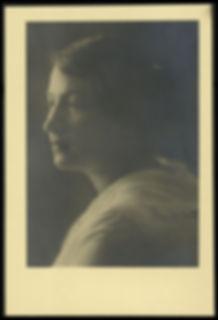 Photograph of Sarah Aaronsohn, 1915