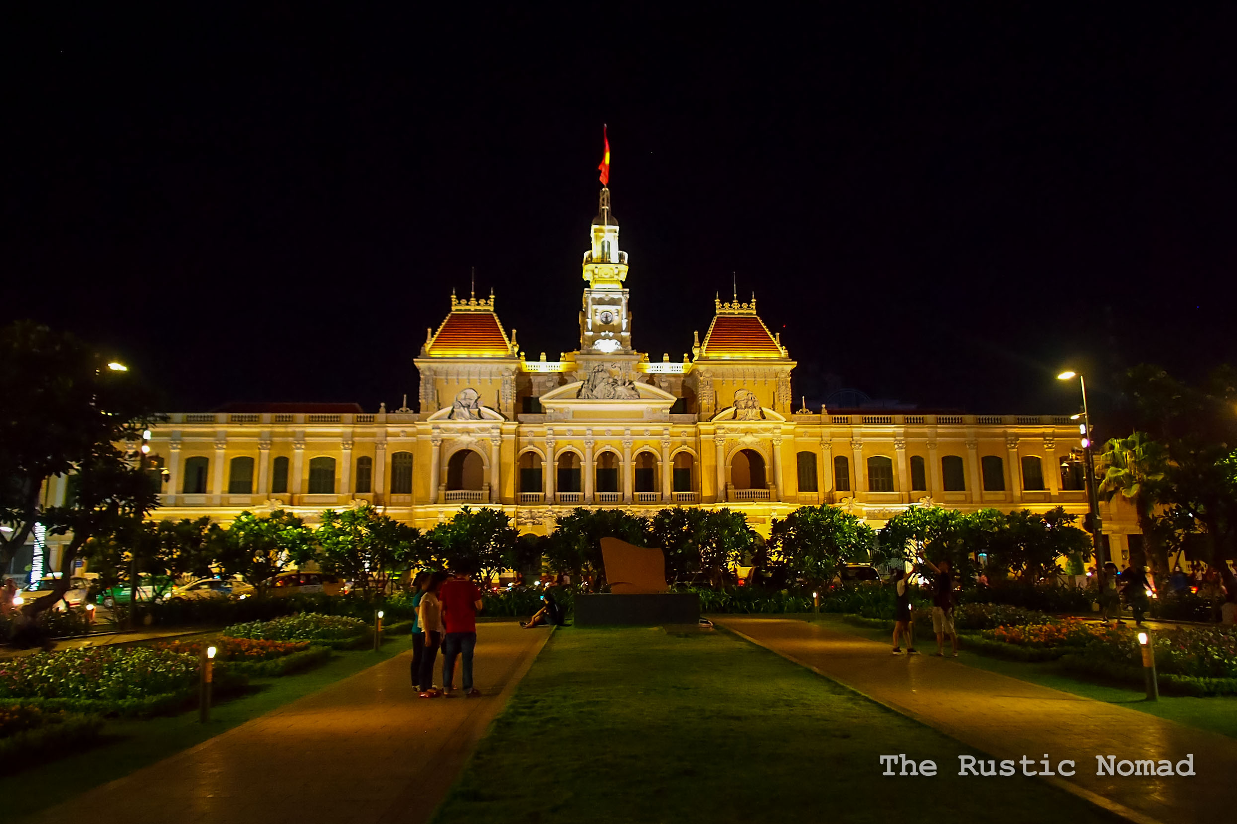 Hanoi-or-Ho-Chi-Minh-City-1-3.jpg