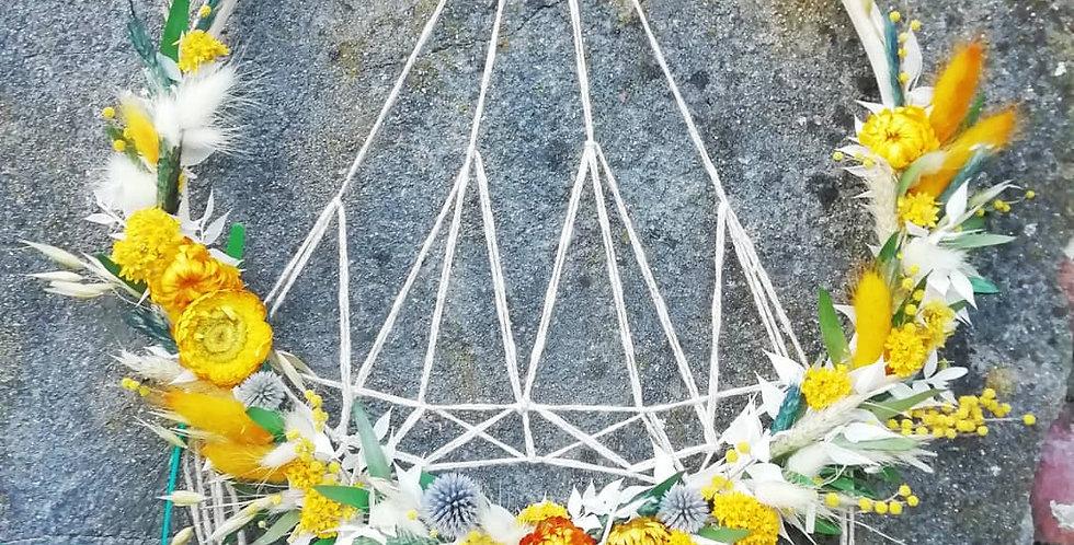 Attrape-rêve avec fleurs séchées