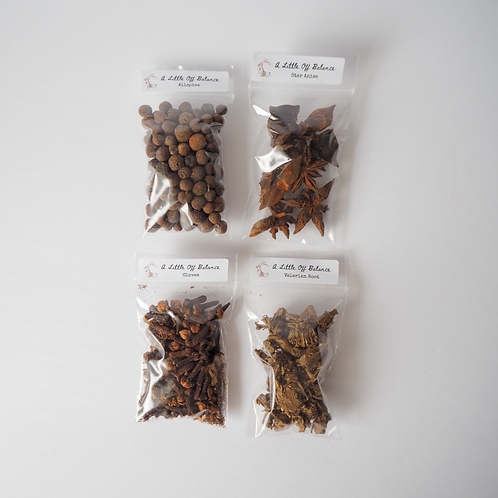 Basic Witch Kit (15 Herbs)