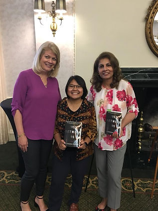 Rebecca with readers at the AAUW Luncheon