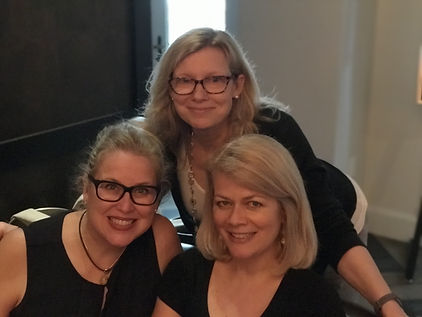 Rebecca Drake at Bouchercon with J.T. Ellison & Laura Benedict