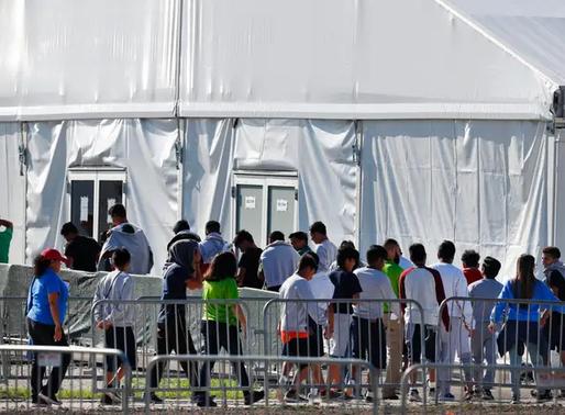 Luật sư cho biết không thể tìm thấy cha mẹ của 545 trẻ di cư bị chia rẽ bởi chính quyền Trump