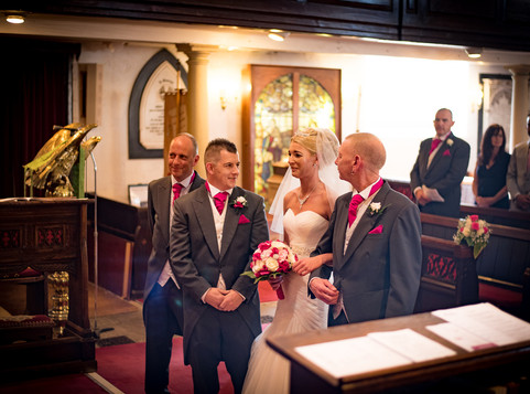 5 top tips to choosing the right wedding photographer