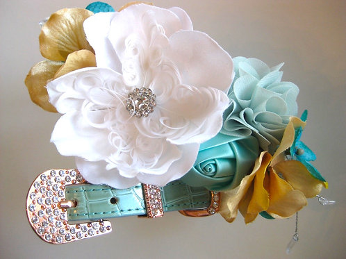 Mint Majesty flower collar