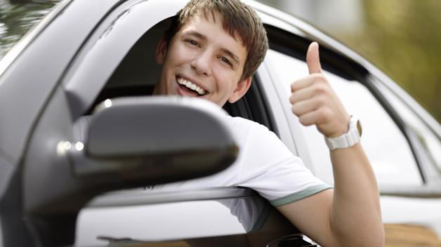 jovenes+al+volante.jpg