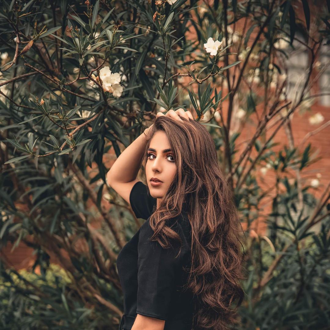 beautiful-beauty-brunette-3085078.jpg