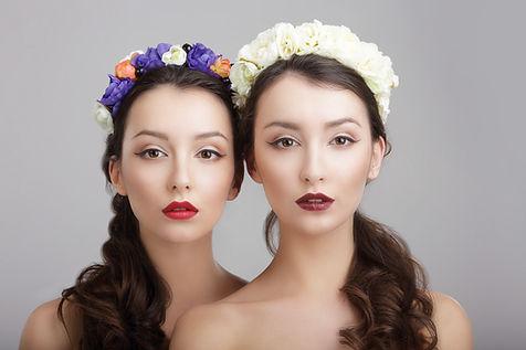 Model zwei Frauen microblading