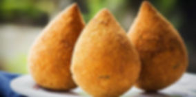 coxinha deliciosa feita pela quitutes brazil