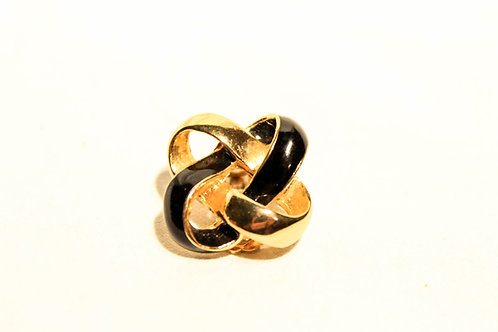 Black and gold vintage ear rings