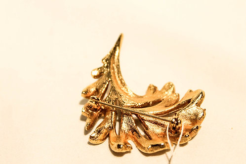 Gold broche