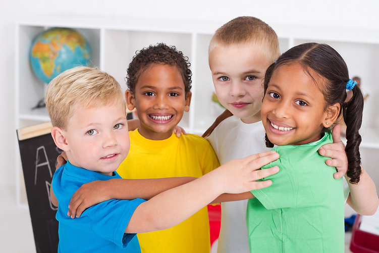 25486582_diverse kids hug circle school.