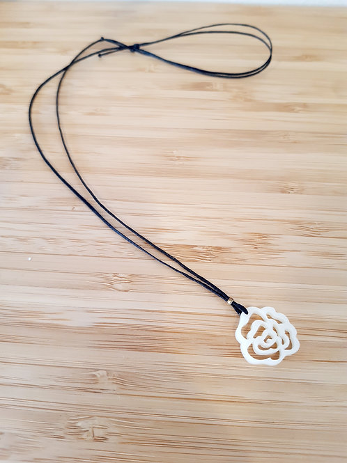 Κολιέ Λευκό Τριαντάφυλλο - Ioannam