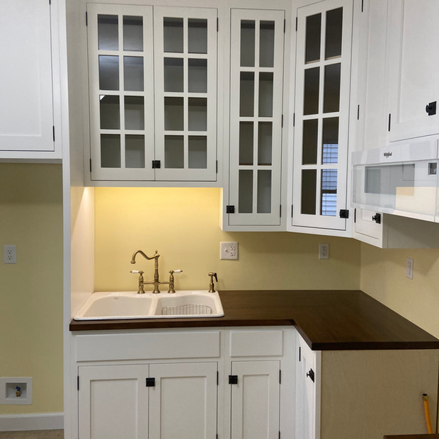 kitchen-remodel-custom-period-style-cabinets
