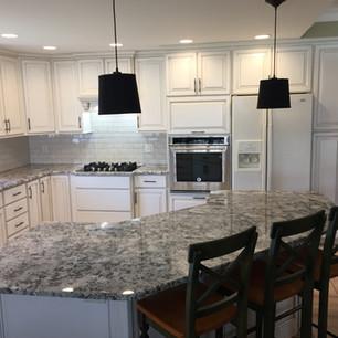 kitchen-remodel-granite-bar