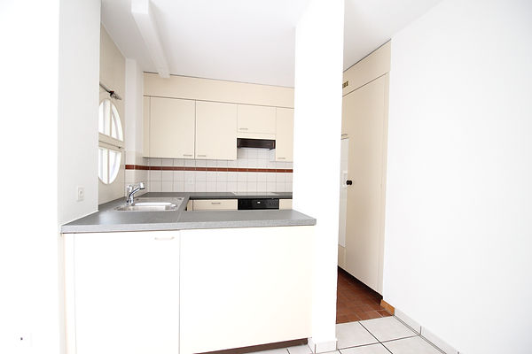 Küche 4.5 Zi rechts.jpg