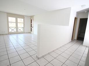 Wohnzimmer 4.5 Zi rechts.jpg