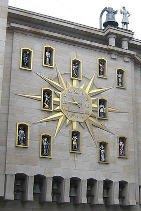 une horloge artistique