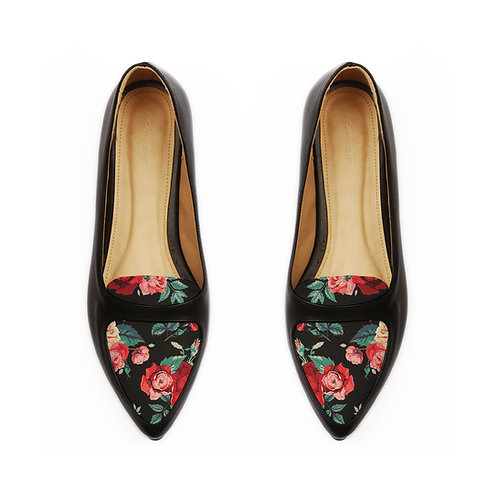 Black Sole Head Red Roses
