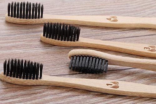 Brosse à dents en bambou, poils infusés au charbon
