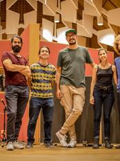 La banda con el ingeniero Daniel Dettwiler
