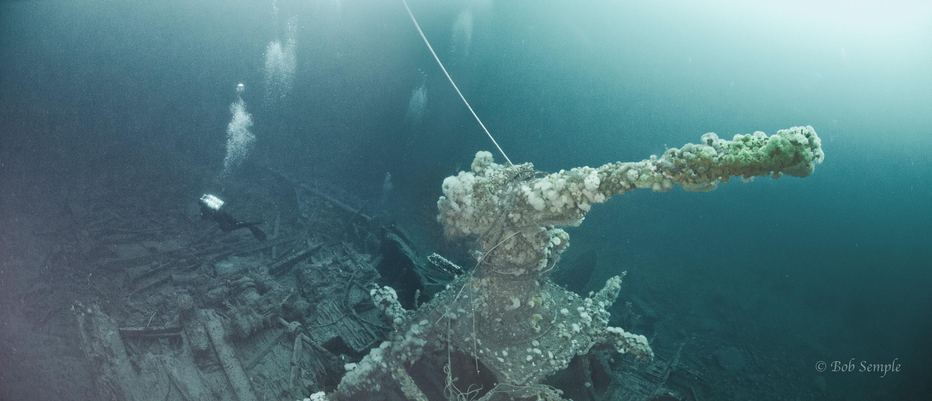 Kolkhosnik wreck Stern Gun