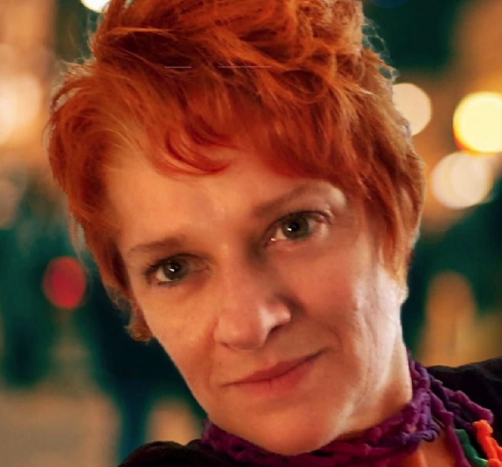 Mirela Adams - Diretora Executiva