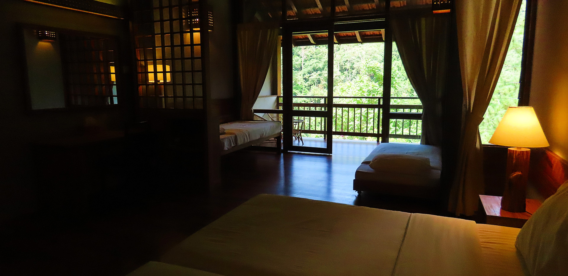 Room with 2 single bed & 2 day bed(4).jp