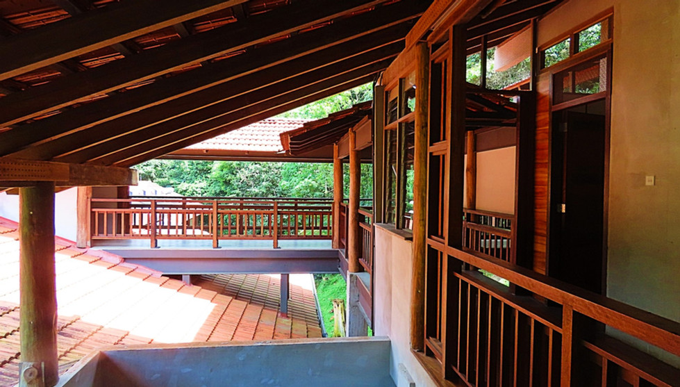 Annexe Hall Walkway From Lift