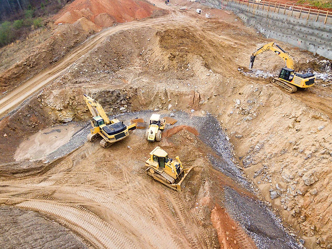 Banner Image of construction site with heavy equipment to represent the construction equipment segment of Reliable Autotech