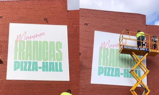 Mamma Francas Pizza Hall