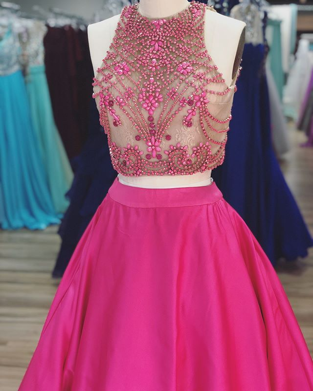 This ballgown gives us all the feels 💖.