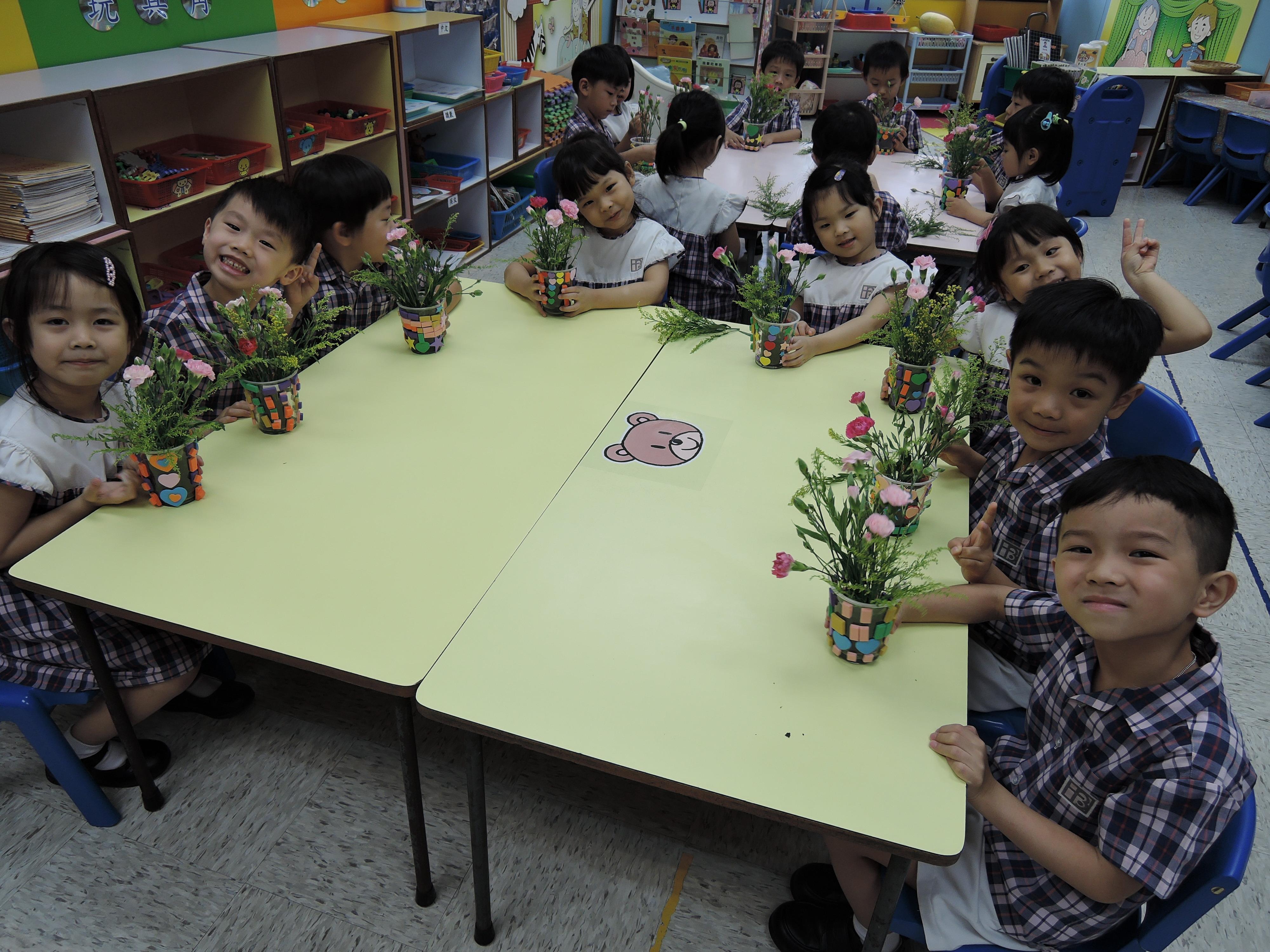 母親節慶祝會—插花活動