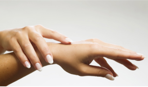 Microneeding Hände