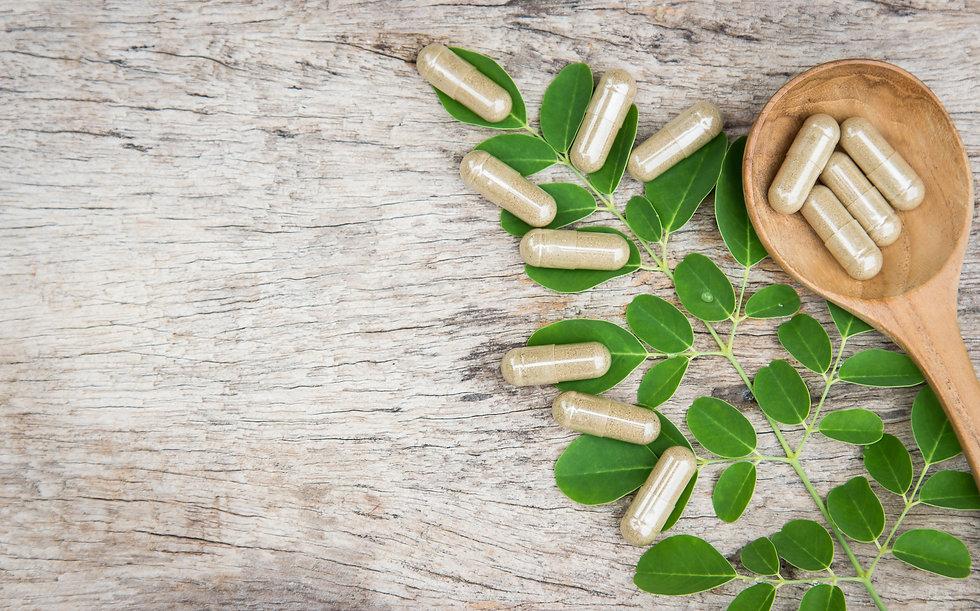 Herbal medicine in capsules from moringa